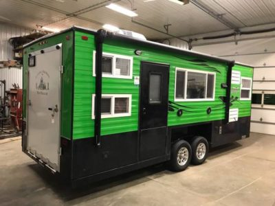 2017 21′ V-Front Ice Castle Loon Toy Hauler